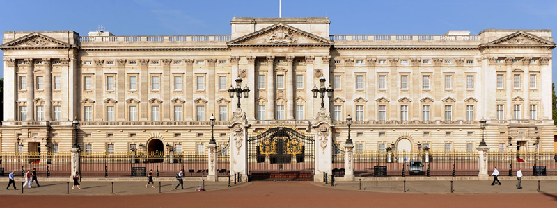 buckingham palace is a good accessible tourist attraction to visit in summer