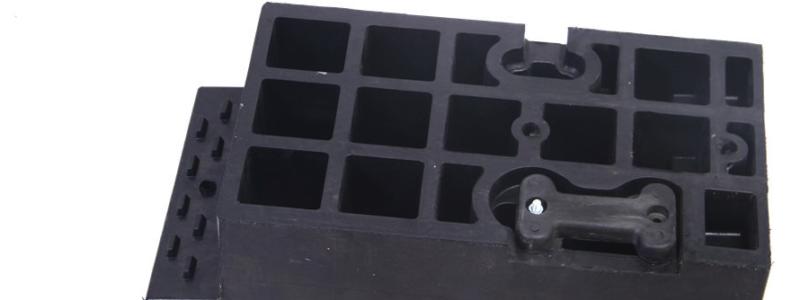 Ground level container ramp modular peice