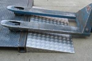 wedge pallet truck ramp